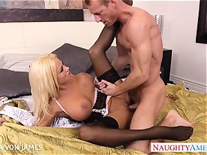 Platinum blond Nikita Von James ride a huge weenie