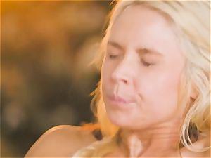 mummy Sarah Vandella tempts red-hot babe Jojo smooch