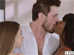 VIXEN Riley Reid has strenuous 3 way with Ana Foxxx and boyfriend