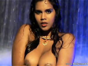 dark haired babe From wild India