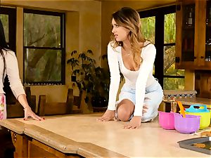 Mercedes Carrera entices fabulous honey Uma Jolie