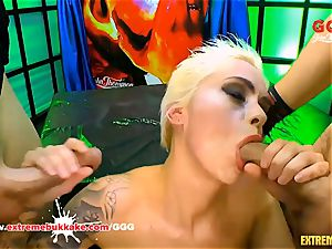 Mila Milan's xxx gangbang - extreme bukkake