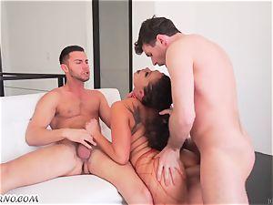 asian chick London Keyes enjoys group orgy