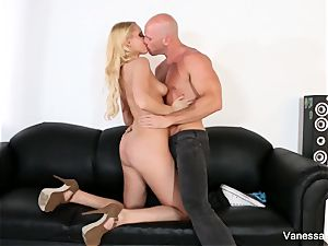 uber-sexy Vanessa gets torn up on the sofa