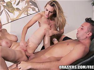Brazzers - Julia Ann - dual Your delight