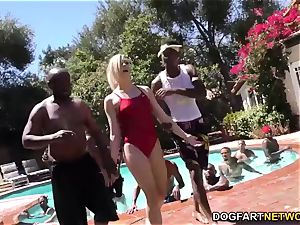 Swim schoolteacher Dahlia Sky gargles many black fuck-sticks