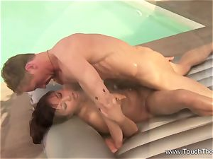 Nuru massage For His tired figure To loosen His Muscles