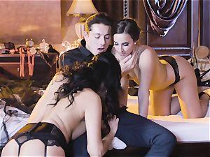 Amirah Adara and Ania Kinski boink at masquerade party