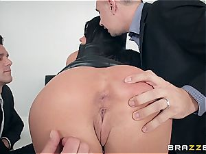 Adriana Chechik gets humungous facial after gang-fuck