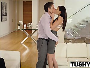 jaw-dropping Ariana Marie ass fucking poked