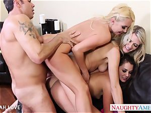 sexy Aaliyah love tearing up in fourway