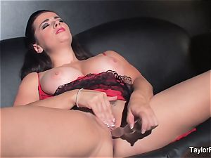 Naturally chesty Taylor fucktoys her humid vulva