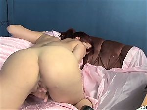 sensuous Jayden Cole loves taunting her sugary-sweet raw pearl