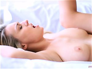 Boxing babe Natalia Starr concludes her workout in a different way