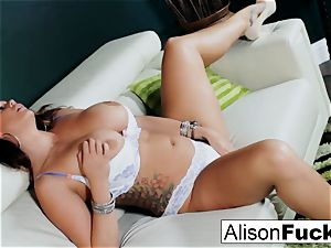 Alison Tyler displays off her curves and makes herself spunk
