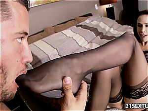 fancy Chanel Preston satisfies shaft with her feet and facehole